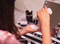 化粧水=保湿という考えはやめよう FEEL式リフトフェイシャルで美肌に 国立市フェイシャルエステサロンFEEL国立